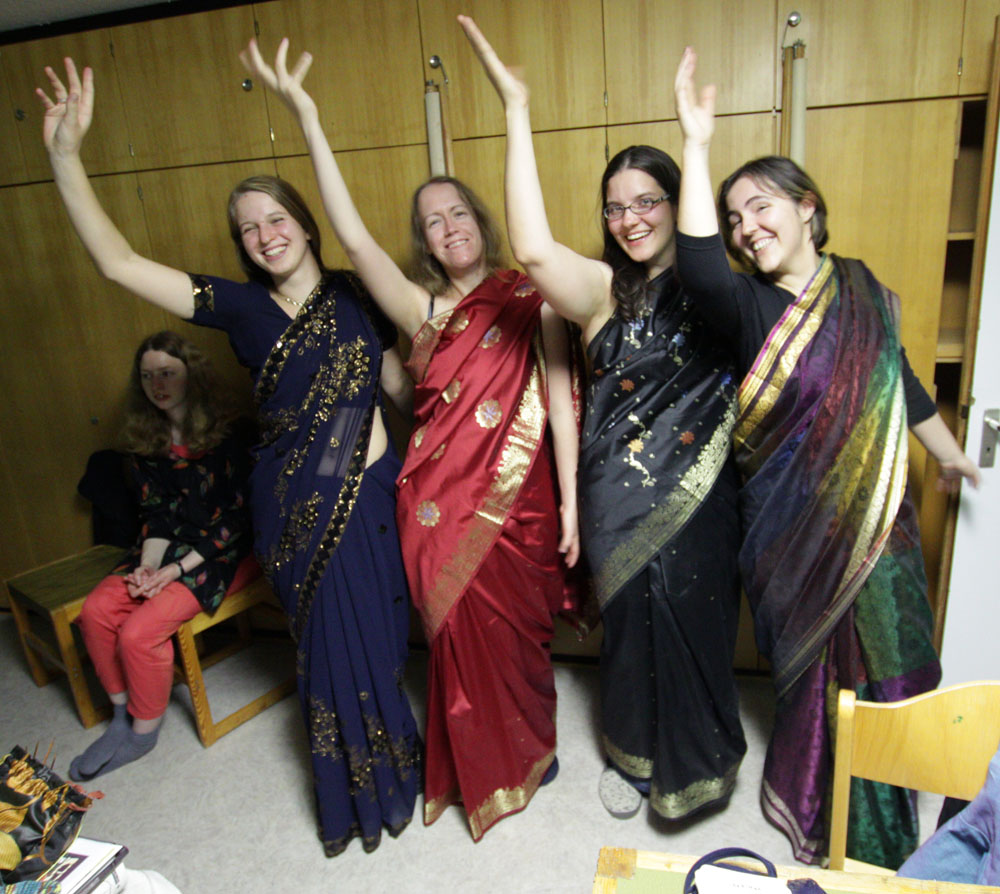 Sari-Gruppenbild